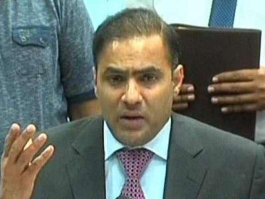 وزیر پانی وبجلی عابد شیر علی نے سیکیورٹی اہلکار کو تھپڑ دے مارا