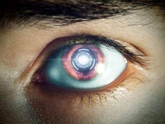 سائنسدان 10 نابینا افراد کی بینائی بحال کرنے کےلیے بائیونک  آئیز لگائیں ..