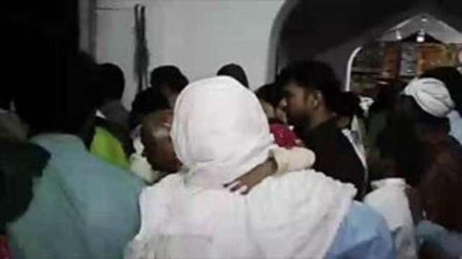 سیہون بم دھماکہ میں شہید ہو نے والی43مرد 9خواتین اور20بچوں کی لاشیں عبداللہ ..
