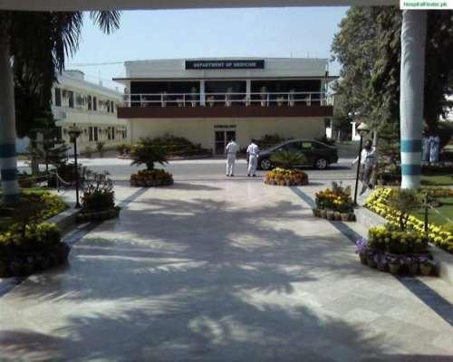 کراچی میں پاک بحریہ کے تمام ہسپتالوں کو ہائی الرٹ کر دیا گیا