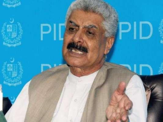 وفاقی وزیر برائے ریاستی و سرحدی امور عبدالقادر بلوچ پر نیند کا غلبہ