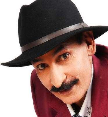 اداکار افتخار ٹھاکر نے پرستاروں سے سیلفی بنانے سے انکار کرتے ہوئے ان ..
