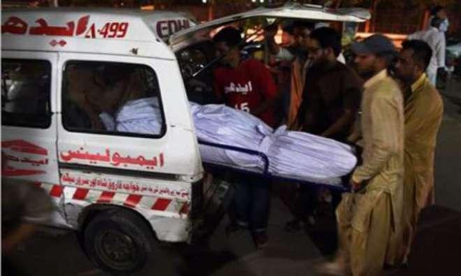 سپرہائی وے پر تیز رفتار مسافر وین اور ٹرک میں تصادم '4 افراد جاں بحق' ..