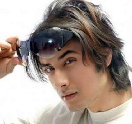 میری خواہش ہے مزید پاکستانی فنکار بالی ووڈ میں کام کریں ' علی ظفر
