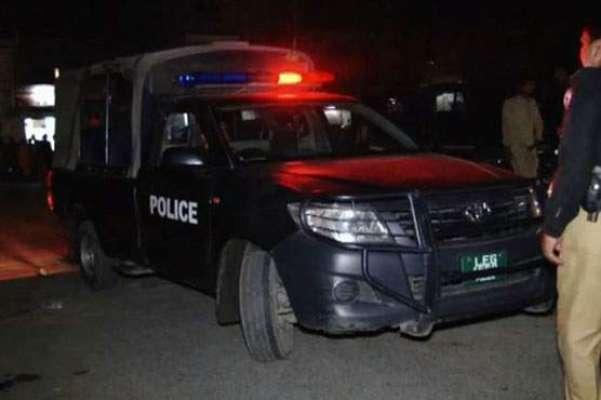 کوئٹہ میں پولیس موبائل پر فائرنگ سے ایک پولیس اہلکار جاں بحق، 3افراد ..