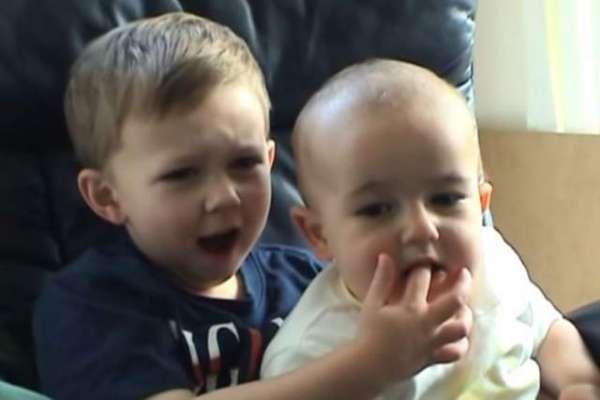 مشہور زمانہ ویڈیو میں نظر آنے والے بچے ، چارلی اور ہیری،  دس سال بعد ..