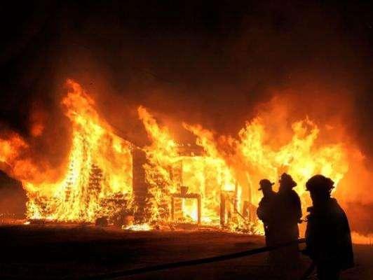 اسلام آباد کی احتساب عدالت میں اچانک آگ لگ گئی