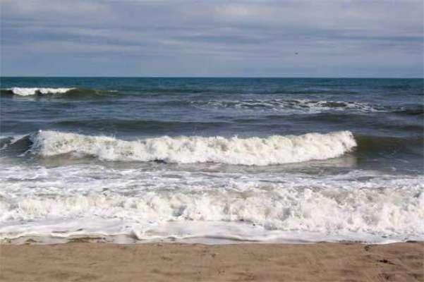 سونمیانی کے قریب ڈامب میں سمندر 20 ایکڑ زمین نگل گیا