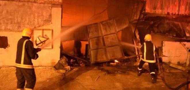 ریاض: کارپینٹری ورکشاپ میں آگ لگ گئی،10افراد جاں بحق اور 3 زخمی ہوگئے