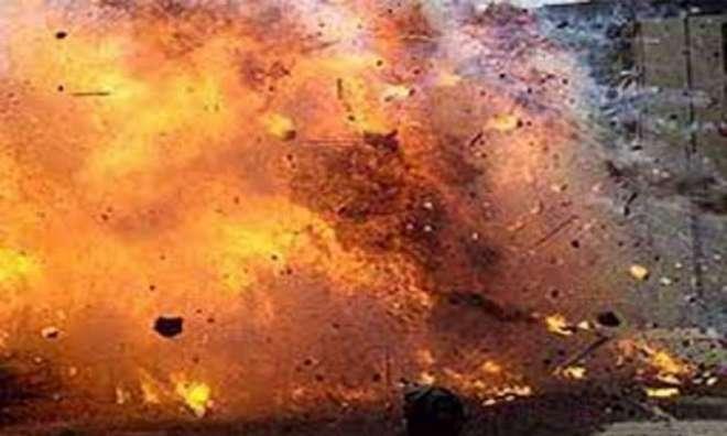 کوئٹہ 'نیو سریاب پر بارود سے بھری گاڑی پولیس ٹرک سے ٹکرا دی'