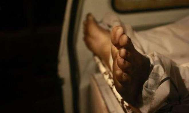کراچی ،ْعزیزآباد میں تھانے کے قریب ایک گھر سے فائرنگ میں پولیس افسر ..