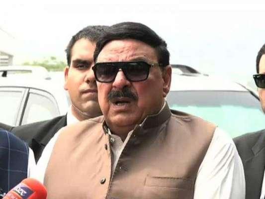 مقامی انتظامیہ نے شہر سے بینرزاورپوسٹرز اتارکر الیکشن کا حسن ماند ..