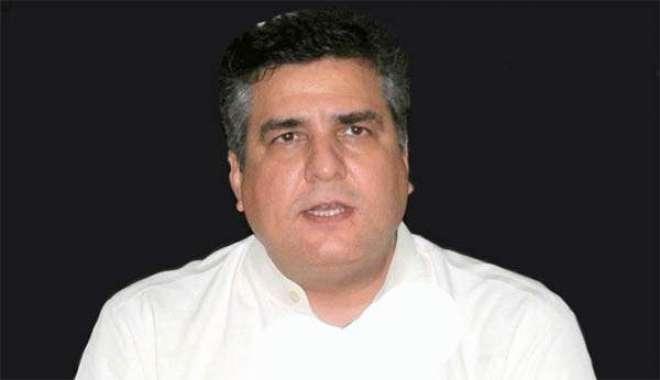 عمران خان عدالتوں اور الیکشن کمیشن سے مفرور ہیں ، دانیال عزیز