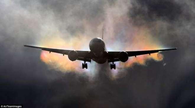 لاہور ائیرپورٹ پر خراب موسم کے باعث پروازوں کولینڈنگ اور ٹیک آف کرنے ..