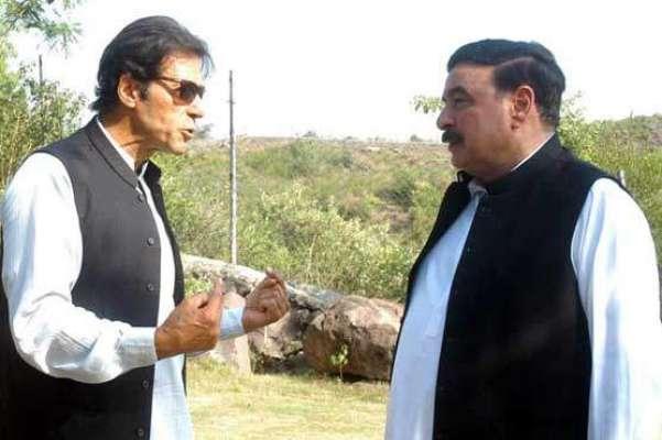 عمران خان اور شیخ رشید احمد کی ملاقات ،پانامہ کیس کی سماعت پر تبادلہ ..