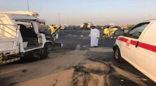 دبئی ٹریفک حادثے میں 4 افراد جاں بحق،3 زخمی