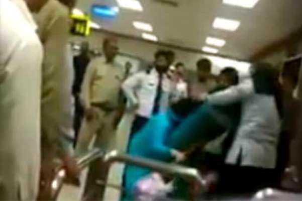 بے نظیرایئرپورٹ پرمسافراور خواتین اہلکاروں کے درمیان جھگڑاکامعاملہ