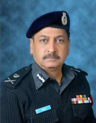 آئی جی پولیس بلوچستان کا بم دھماکے کی جگہ کا معائنہ