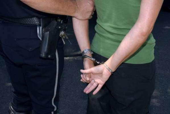رینجرز کی کارروائی عید گاہ سے ایم کیو ایم لندن کا آصف عرف پکوڑا گرفتار