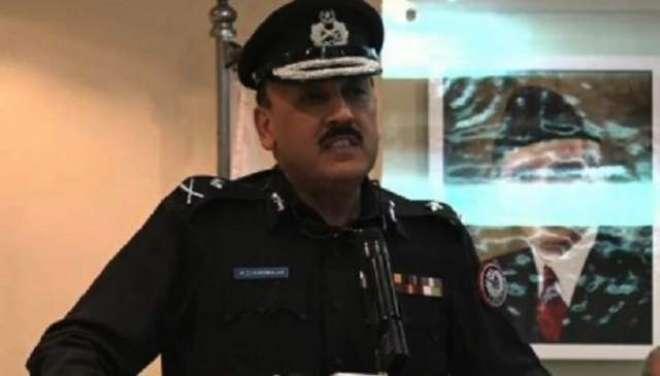 آئی جی سندھ کے حامیوں کی لانڈھی تھانے کے باہر اے ڈی خواجہ زندہ باد ..