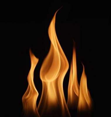 پشاور سے کراچی جانیوالی خیبر میل کے انجن میں آگ لگ گئی ،ْ دو گھنٹے ..