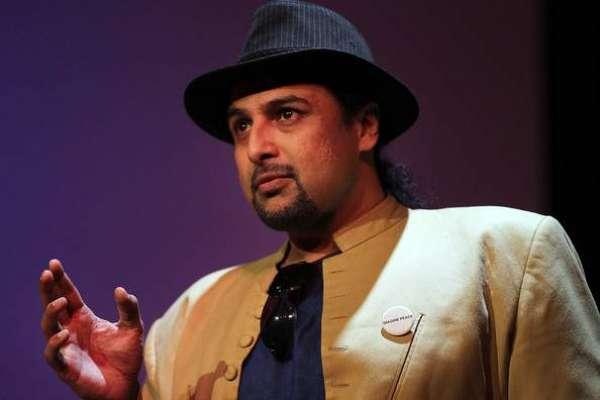 ریحام خان اور گلو کار سلمان احمد کے درمیان لفظی جنگ چھڑ گئی
