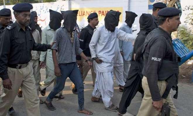 راولپنڈی میں پولیس نے بارود سے بھری گاڑی پکڑ لی