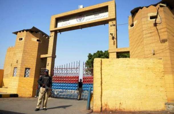 کراچی جیل میں ملاقات کیلئے آنے والوں سے رشوت دگنی وصول