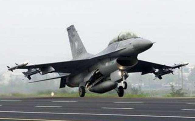 پاک فضائیہ کے جنگی طیاروں نے اُڑان بھر لی،ہر طرف نعرہ تکبیر کی صدائیں ..
