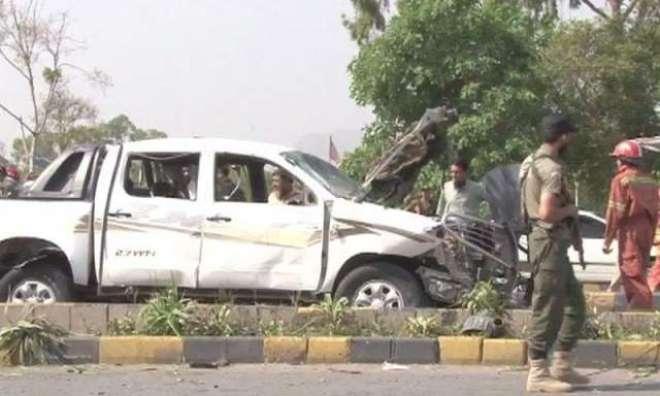پشاور:فرنٹیئر کور کی گاڑی پر خودکش حملہ، 2 سیکورٹی اہلکار شہید