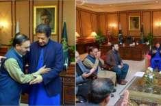 وزیراعظم عمران خان کی طاہر داوڑ کے اہل خانہ کو وزیراعظم آفس میں بُلا ..