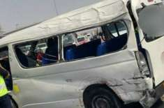 دُبئی: مسافر ویگن کو خوفناک حادثہ، 2افراد ہلاک