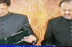 عمران خان نے پاکستان کے 22ویں وزیر اعظم کے عہدے کا حلف اٹھالیا