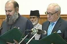 محمد خان اچکزئی ایک ہی مدت میں پانچ وزراء اعلیٰ سے حلف لینے والے پہلے ..