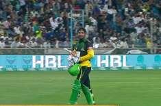 پاکستان سپر لیگ کا تیسرا میچ، ملتان سلطانز نے لاہور قلندرز کے گیند ..