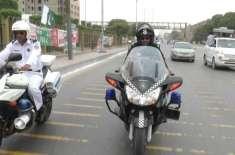ایس ایس یو کے کمانڈوز کا کراچی میں فلیگ مارچ