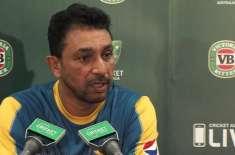 قومی کرکٹ ٹیم کے بولنگ کوچ اظہر محمودنے دبئی میں ٹیم کو جوائن کر لیا
