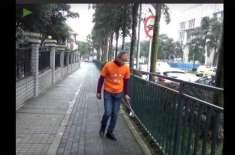 چینی ارب پتی تین سالوں سے ہر روز گلیوں سے کچرا چن رہا ہے