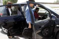 متحدہ عرب امارات میں نجی گاڑیوں کا پبلک ٹرانسپورٹ کے طور پر استعمال ..