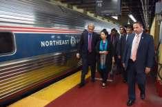 شاہ محمود قریشی کا نیویارک کی لوکل ٹرین میں سفر