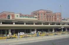 لاہور ایئرپورٹ پر 12پروازیں منسوخ ،