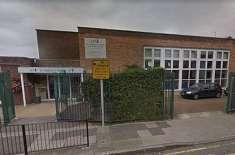 برطانوی اسکول میں روزہ رکھنے اور حجاب کرنے پر پابندی عائد کر دی گئی
