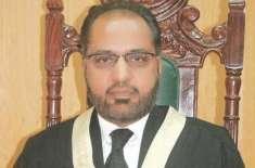 جسٹس شوکت عزیز صدیقی نے سپریم جوڈیشل کونسل کے احکامات سپریم کورٹ میں ..