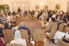اپوزیشن لیڈر شہباز شریف نے حکومتی کارکردگی کو نمبر دینے سے انکار دیا