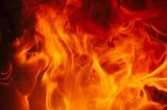نوشہرہ تارو جبہ کے قریب نجی آئل ڈپو میں آگ لگ