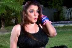 اداکارہ لاشانہ نے والدہ کی طبیعت کی ناسازی کے باعث شوبز سر گرمیاں ترک ..