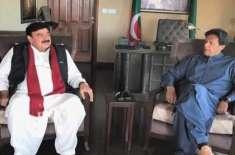 عمران خان کوچاہیے شیخ رشید کے غبارے سے ہوا نکال کردوچارپنکچرز لگائیں