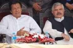 کام نہ کیا تو لوگ ڈنڈے ماریں گے، وزیراعظم کی محمود خان کوہدایت