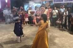 سشمیتا سین کی بیٹی کے ہمراہ رقص کی وڈیو نے انٹرنیٹ پر دھوم مچا دی