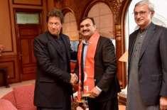 شوکت بسرا نے عمران خان کو سہولتکار کہنے پر معافی مانگ لی